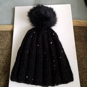 Accessories - Black knit hat with sequins and pompom